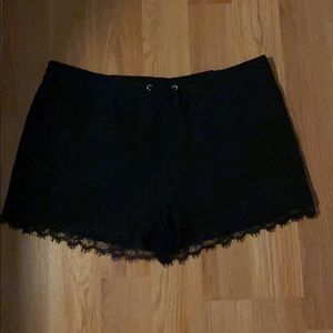 Express silk shorts with lace hem